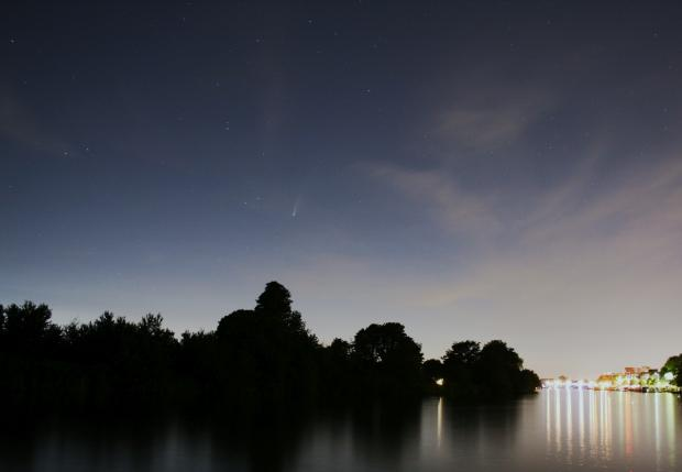 Surrey Comet: Comet Neowise, seen over Queen's Promenade in Kingston, Friday July 17. Image: Jean-Christophe Nebel