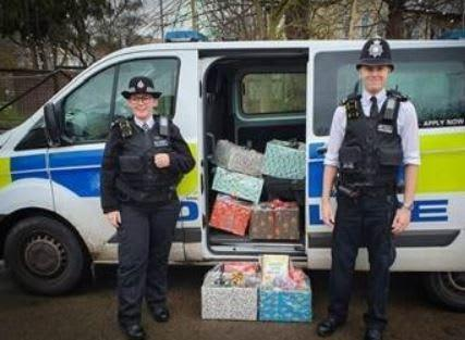 Kingston officers delivering hampers