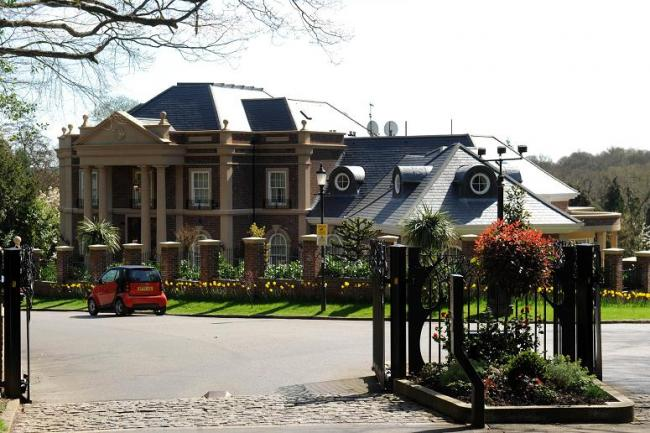 Multi-millionaires win fight to keep gated community
