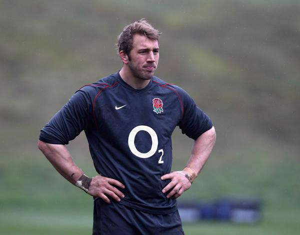 Chris Robshaw has cracked a bone in his right thumb