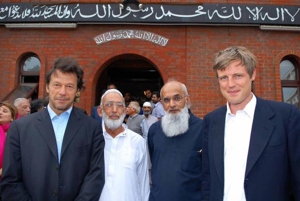 Interfaith walk secretary Rashid Laher (third from left) with cricketer and Pakistani politican Imran Khan, mosque committee member Hajee Mohammed Rafiq and MP Zac Goldsmith