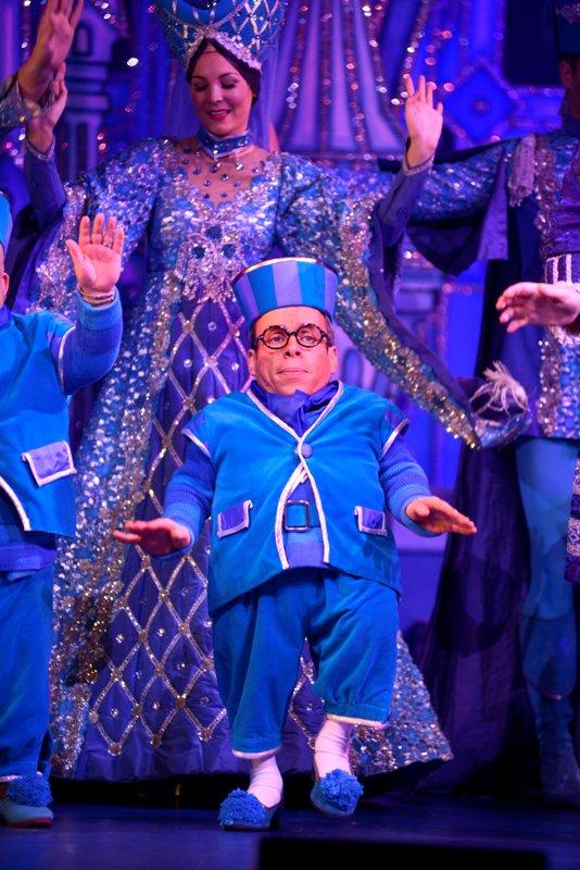 Actor Warwick Davis chats ahead of Snow White opening night