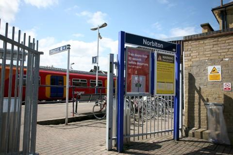 'Norbiton gap' at train station to be fixed by early 2016, South West Trains says