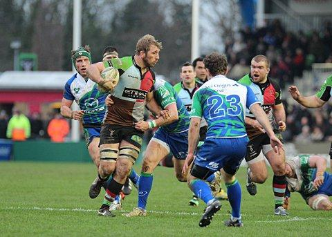 Living in the present: Chris Robshaw looks to off-load to hooker Rob Buchanan on Saturday