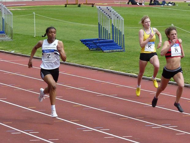 Bronze: Croydon Harriers Ashleigh Clarke, left