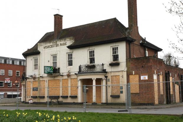 Surrey Comet: The old Worcester Park Tavern