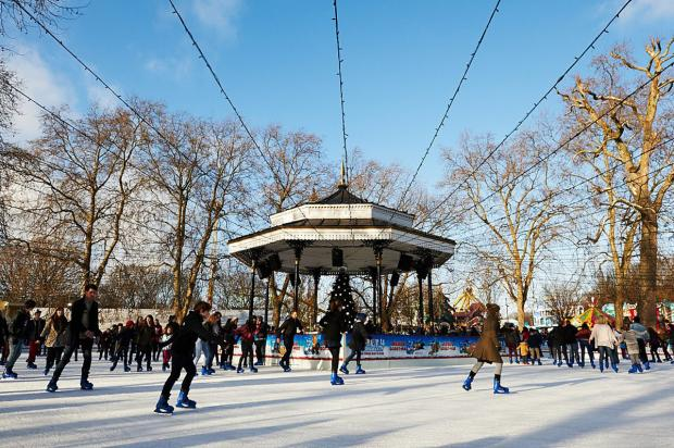 Surrey Comet: Winter Wonderland in Hyde Park, London