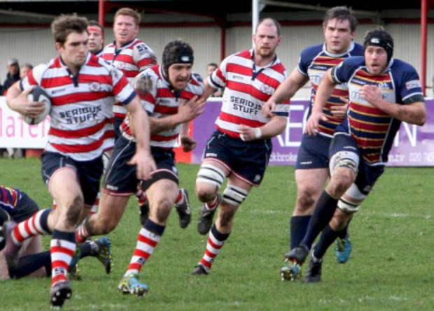 Surrey Comet: On the attack: Rosslyn Park pour forward during Saturday's 37-13 win over Old Albanians