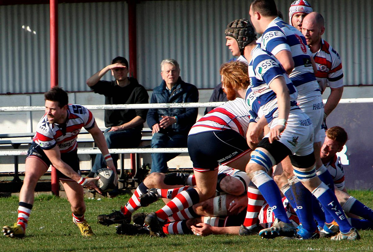 Set up: Matt Heeks begins another Park move in  Saturday's win over Tynedale 		   Picture: David Whittam