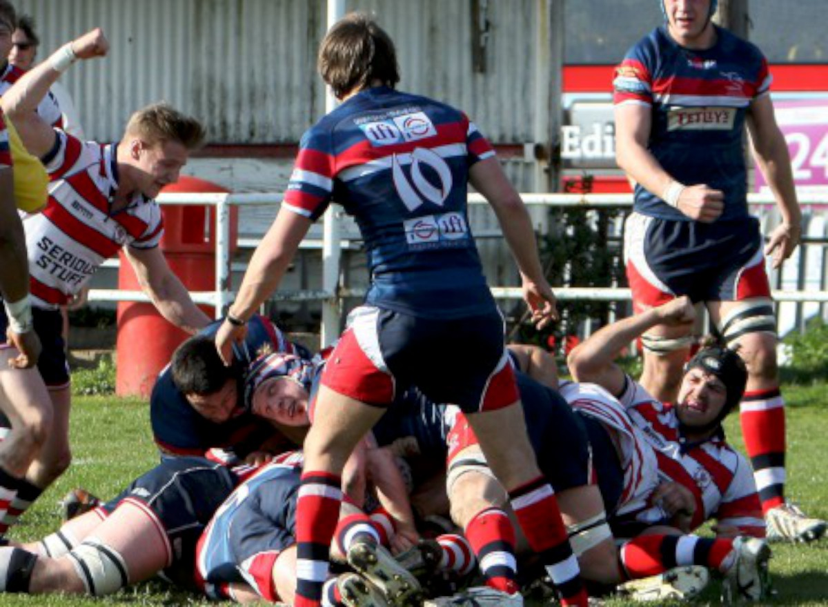 Opener: Hugo Ellis gets over for Park's first try against Doncaster Knights             All pictures: David Whittam