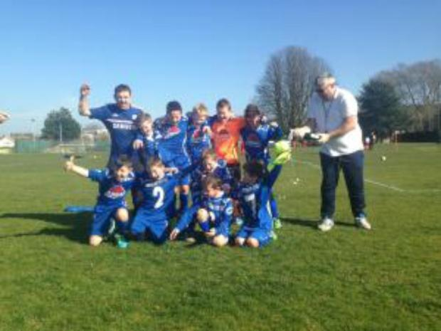 Croygas Youth celebrate winning the Surrey Youth league division four title