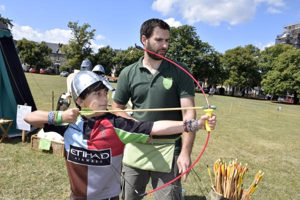 Knights get a taste of medieval life at Fairfield event