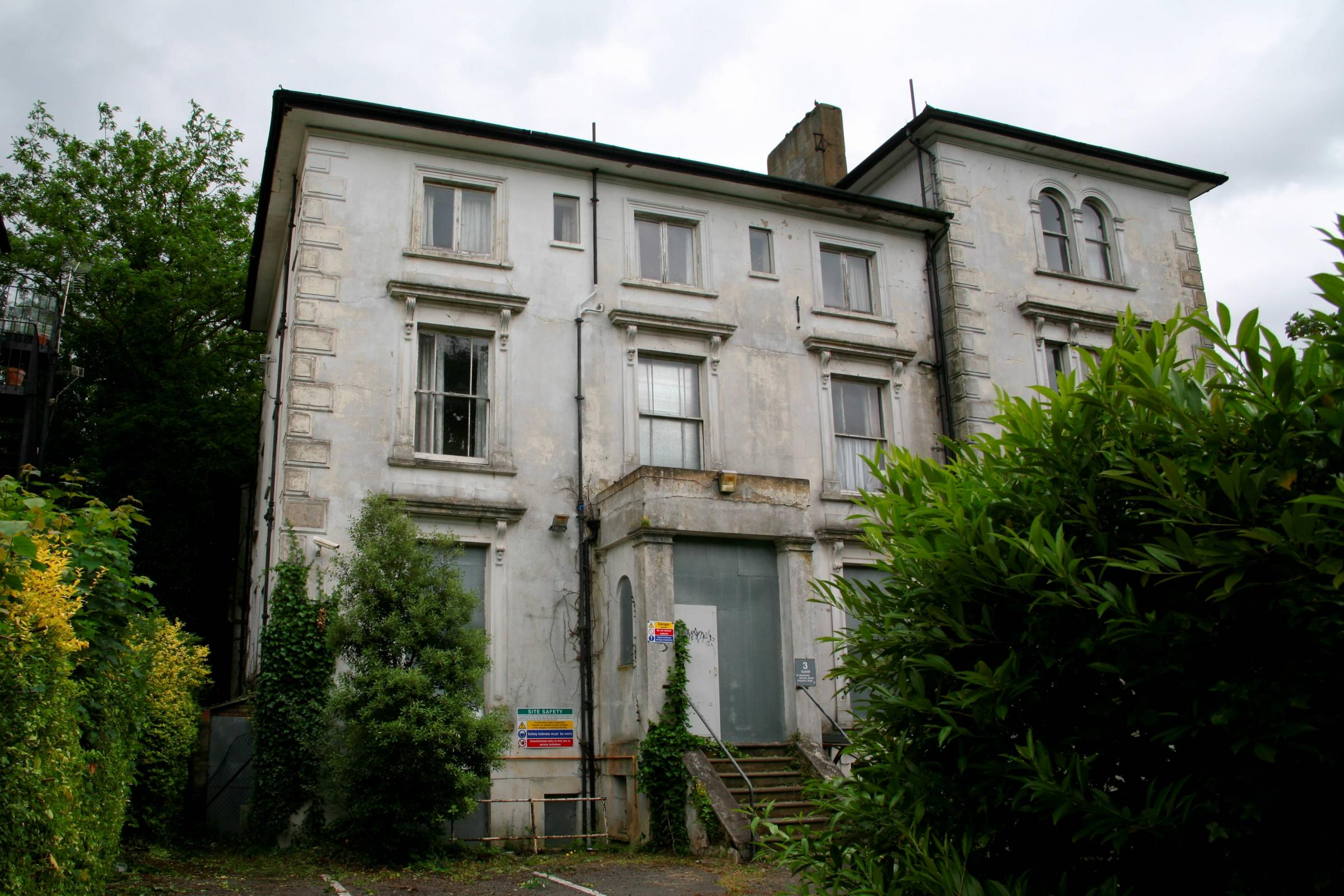 Spooky old nurses' home in Surbiton to be brought back to life?