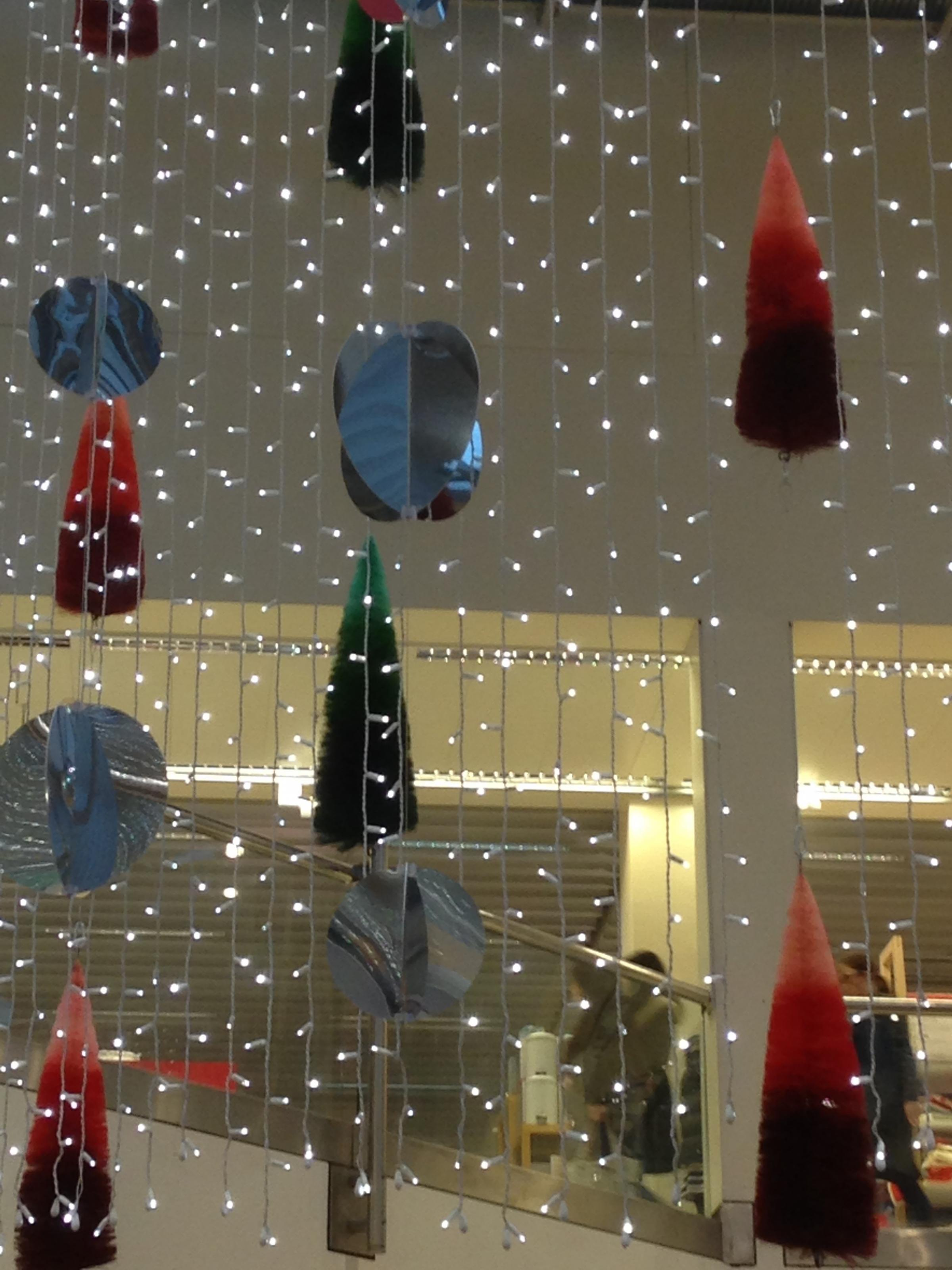Community Groups And Schools Can Claim Decorations For Christmas 2016