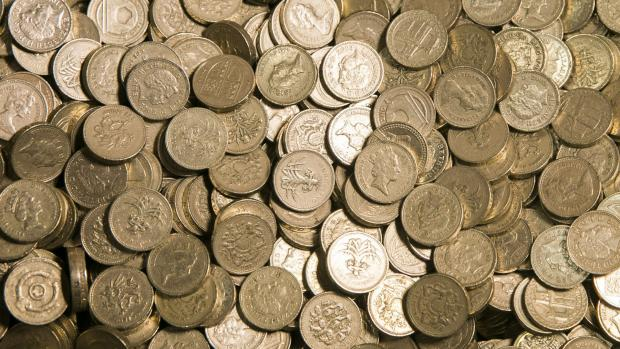 Surrey Comet: Old one pound coins
