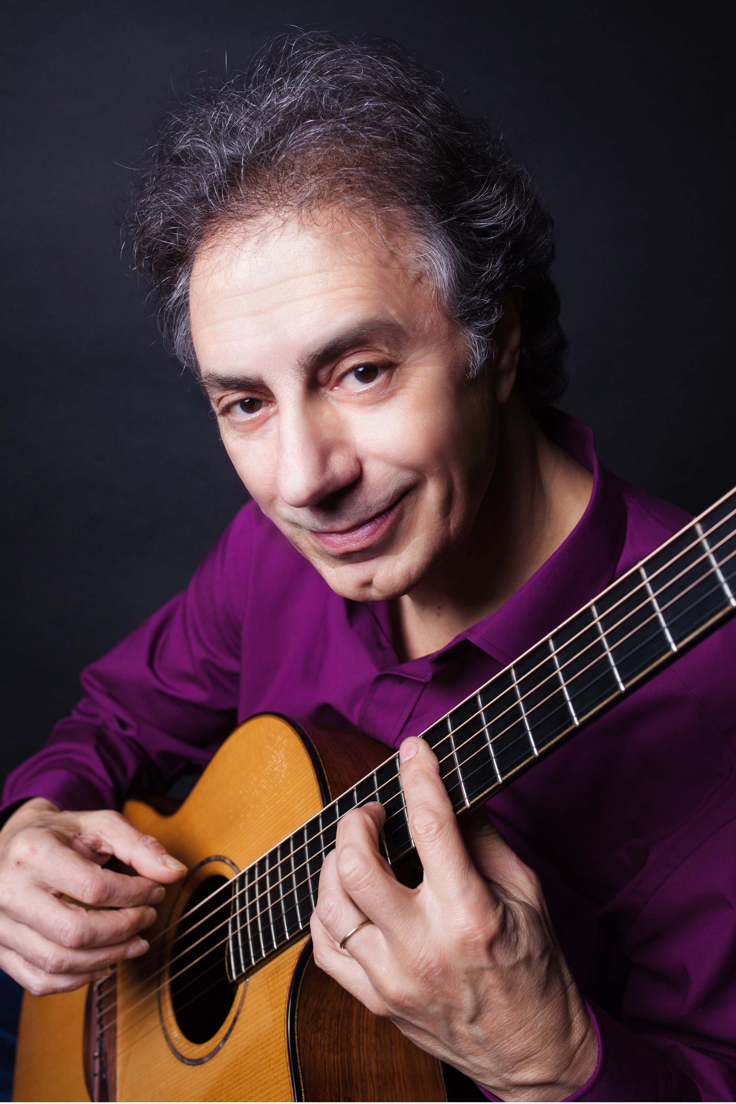 Pierre Bensusan, France's Acoustic Guitar Master In Concert!