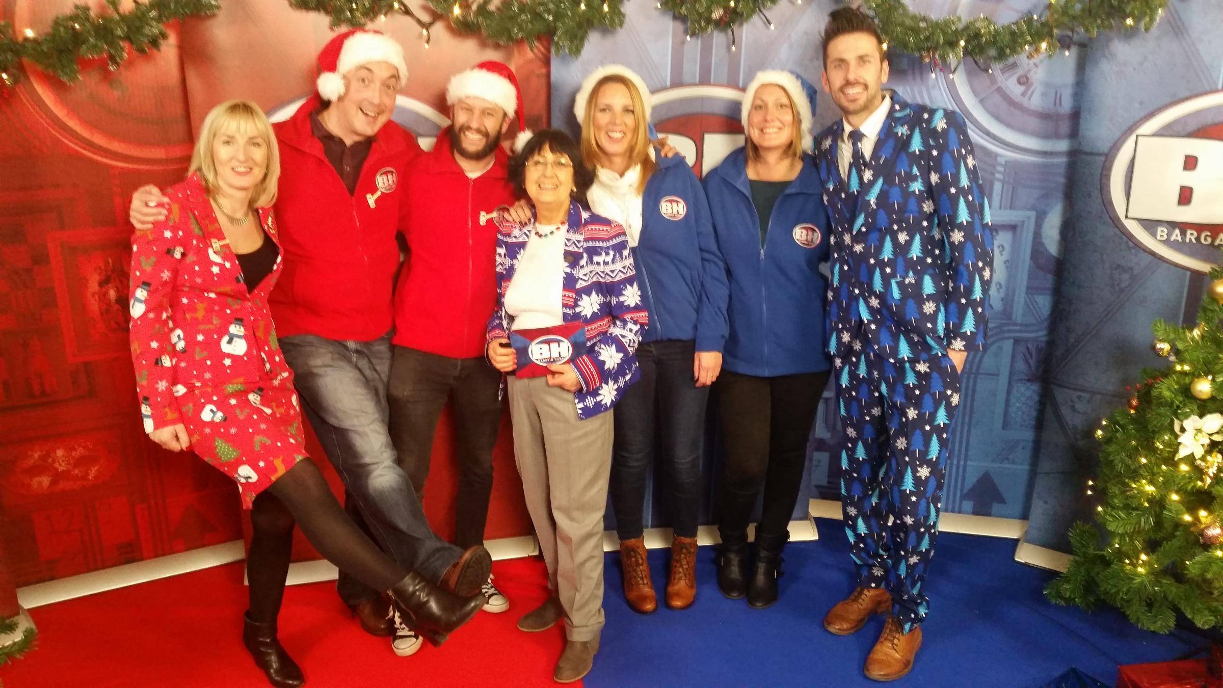 A Christmas Star Cast.Leatherhead Panto Cast And Crew Will Star In Bargain Hunt S