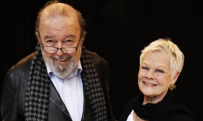 Sir Peter With Dame Judi Dench Rehearsing A Midsummer Nights Dream At The Rose Theatre