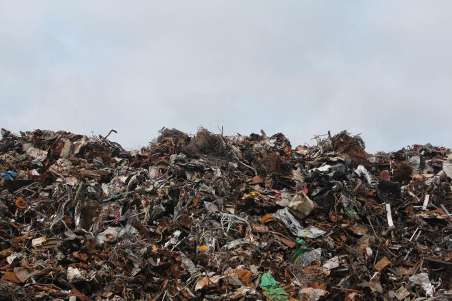 Stock image of landfill (free for use, details: https://www.pexels.com/photo/scrap-metal-trash-litter-scrapyard-128421/)